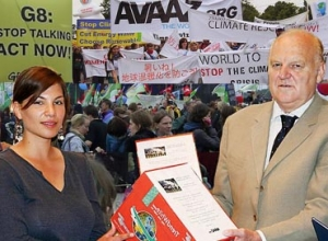 German Avaaz member Alya delivers 400,000 signature petition to G8 Summit Chair of negotiations